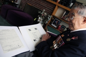 "WWII vet fought to ""show loyalty"" to Canada"